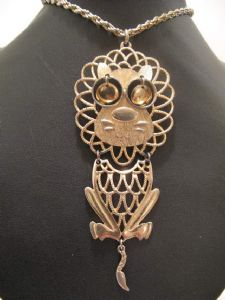1970's Filigree lion ' Leo Zodiac ' vintage pendant **Ideal Leo birthday gift**